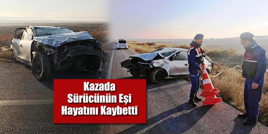 Otomobil, Şarampole Yuvarlandı: 1 Ölü, 2 Yaralı