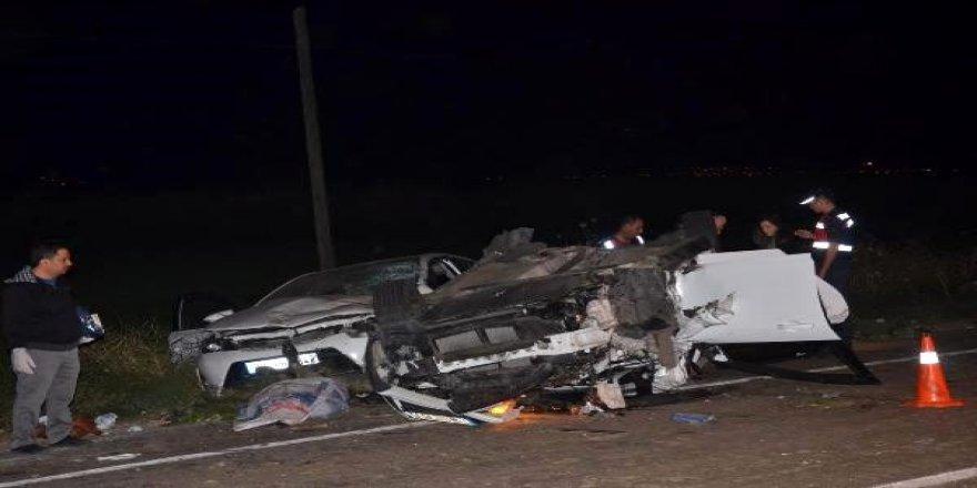 Biçerdöver ile 3 otomobil çarpıştı: 2 ölü