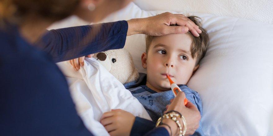 Mevsim Geçişlerinde Çocuklarınızı Hastalıklar dan Korumak İçin Bunlara Dikkat Edin