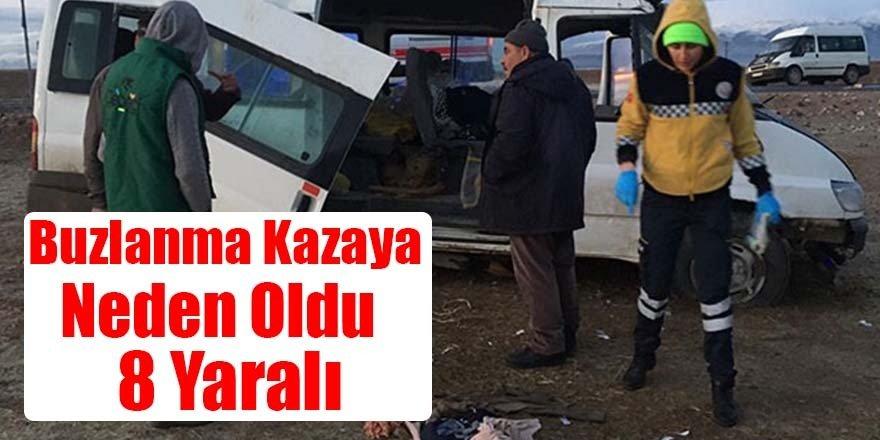 Buzlanma nedeniyle kontrolden çıkan Minibüs devrildi: 8 yaralı