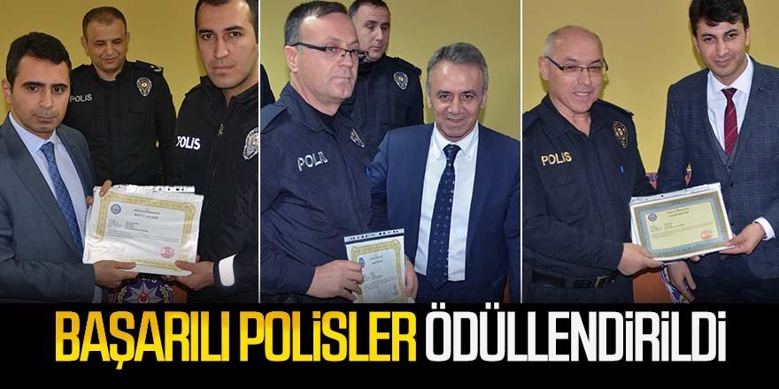 BAŞARILI POLİSLER PLAKETLE ÖDÜLLENDİRİLDİ