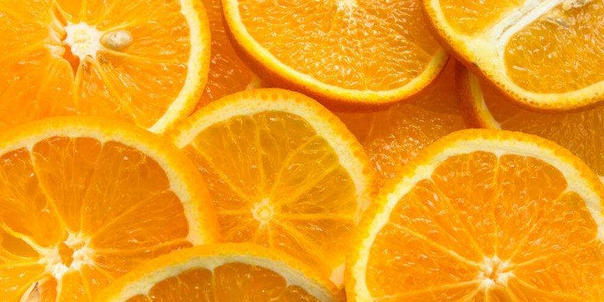 Corona Virüsünden Korunmak İçin Aşırı Tüketilen C Vitamini, İdrar Kaçırmaya Yol Açabilir
