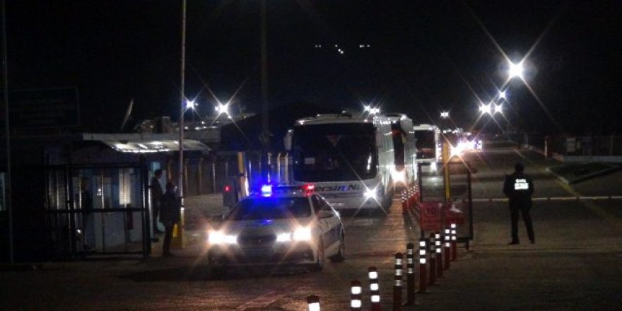 KKTC'den gelen 450 kişi Niğde'deki yurtlara yerleştirildi