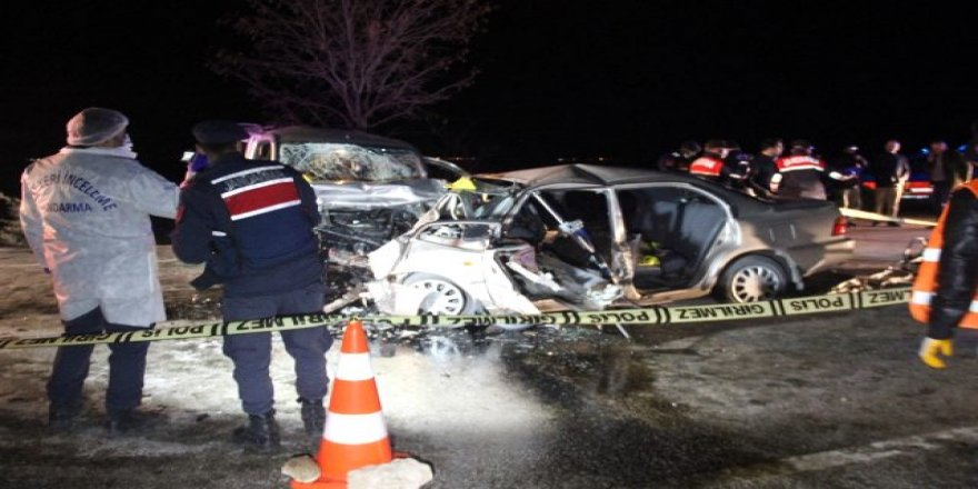 Feci trafik kaza; 4 ölü 4 yaralı
