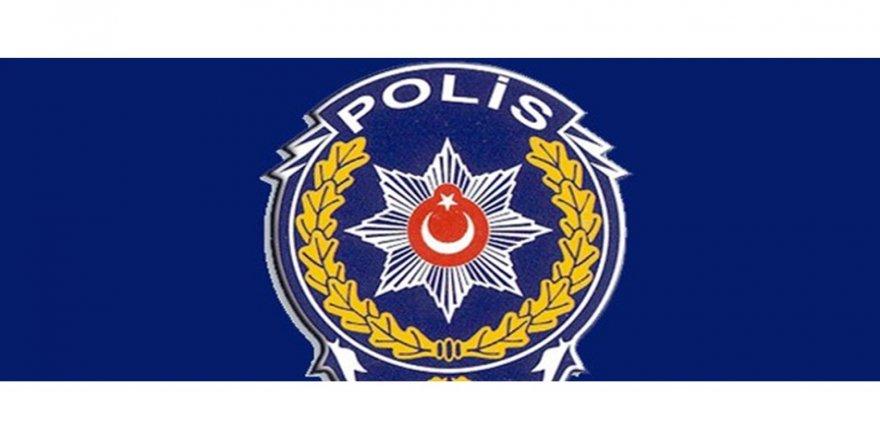 Polis, canını kurtardığı kişi tarafından bıçaklandı