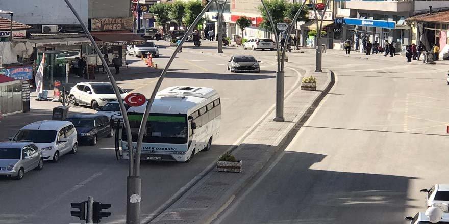 Kısıtlamanın ardından, Ereğli caddelerinde hareketlilik başladı