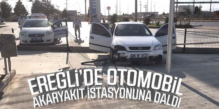 Otomobil, akaryakıt istasyonuna daldı: 3 yaralı