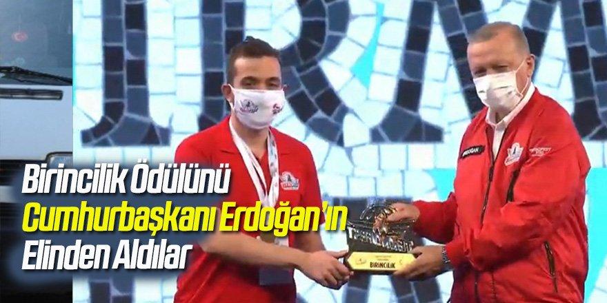 Birincilik Ödülünü Cumhurbaşkanı Erdoğan'ın Elinden Aldılar