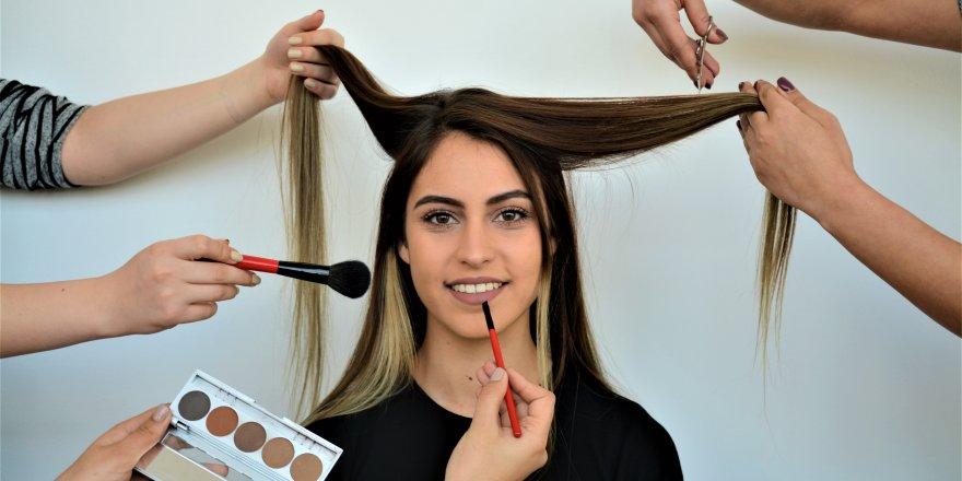 Evde Uygulanabilecek Pratik Cilt ve Saç Bakım Önerileri...