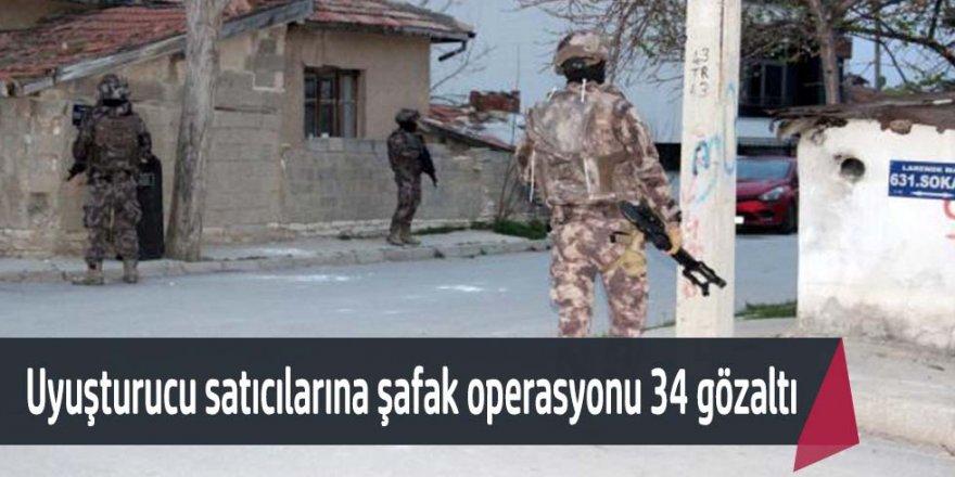 Karaman merkezli 5 ilde uyuşturucu satıcılarına şafak operasyonu düzenlendi 34 kişi gözaltına alındı.