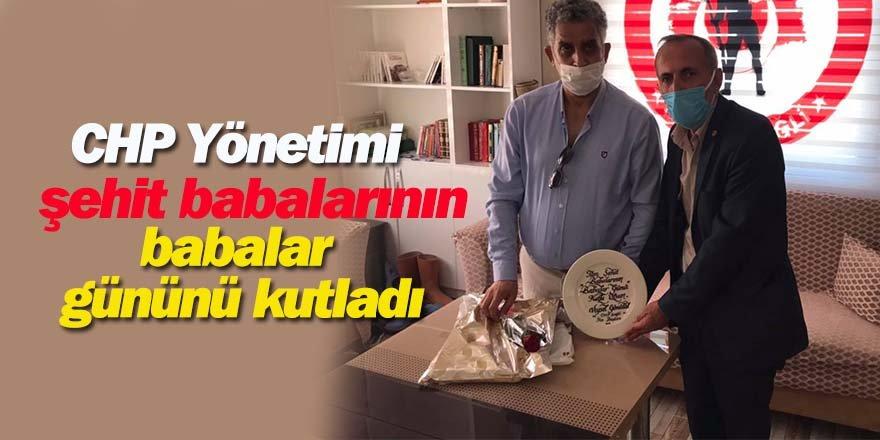 CHP Yönetimi şehit babalarının babalar gününü kutladı