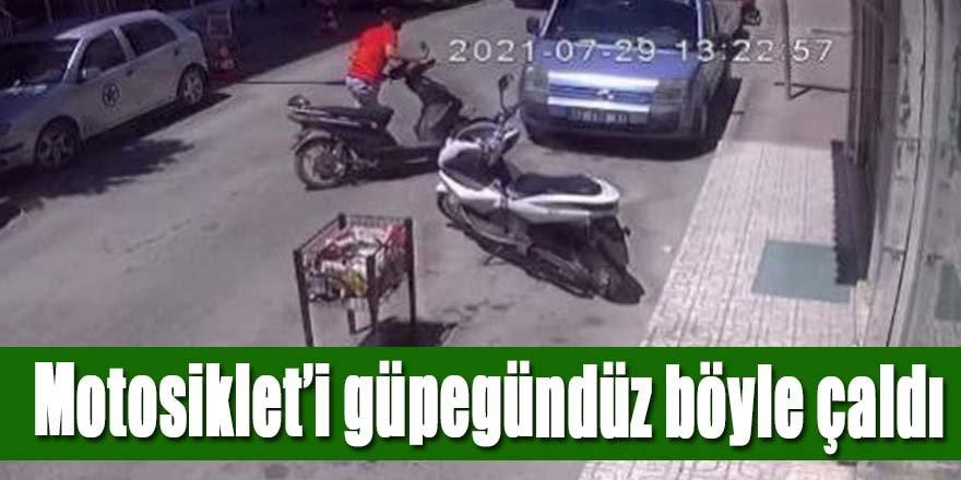MOTOSİKLETİ ÇALDI, SAHİBİ BAĞIRINCA BIRAKIP KAÇTI