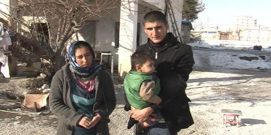 Ayaz Bebeğin, Babası Askerden İzne Gelip, Mezarını Ziyaret Etti
