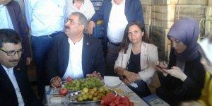 Etyemez Seçim Çalışmalarını Konya'da Sürdürdü