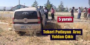 Tekeri Patlayan Hafif Ticari Araç Yoldan Çıktı; 5 Yaralı