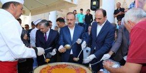 Cumhurbaşkanımız Himayesinde Konya'da Aşure Dağıtıldı