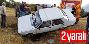 Otomobil menfeze düştü: 2 yaralı