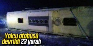 Yolcu otobüsü devrildi 23 yaralı