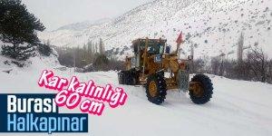 Büyükşehir ekiplerinin Halkapınar'da kar mesaisi