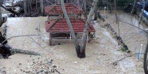 Aşırı yağışlar sele neden oldu