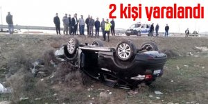Düğün konvoyunda otomobil takla attı 2 kişi yaralandı