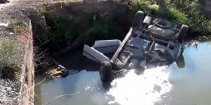 Virajı alamayan otomobil kanala uçtu, sürücü boğularak hayatını kaybetti