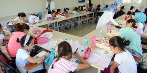 Genç KOMEK Yaz Okulu'nda Binlerce Öğrenciye Ortak Sınav